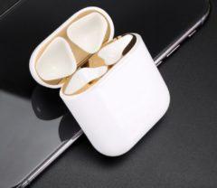 Airpodhoes Metalen sticker geschikt voor Airpods - Accessoire voor Airpods - Anti magnetisch stof - Vuil bescherming - Goud 2 stuks