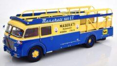Blauwe Fiat-Bartoletti Tipo 642 RN2 Maserati Racing Car Transporter 1957 - 1:18 - CMR Classic Model Replicars