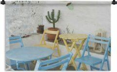 1001Tapestries Wandkleed Terras - Kleurrijke stoelen op een terras Wandkleed katoen 120x80 cm - Wandtapijt met foto
