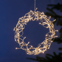 LED-lichtkrans voor het raam