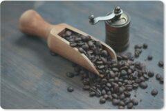 MousePadParadise Muismat Koffieboon - Koffiebonen op een donkere houten achtergrond met koffiemolen muismat rubber - 27x18 cm - Muismat met foto