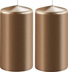 Enlightening Candles 2x Metallic koperen cilinderkaarsen/stompkaarsen 6 x 10 cm 36 branduren - Geurloze kaarsen metallic koper - Woondecoraties