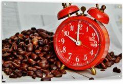 KuijsFotoprint Tuinposter – Koffiebonen met Rode Wekker - 120x80cm Foto op Tuinposter (wanddecoratie voor buiten en binnen)