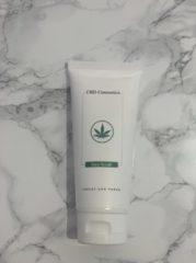 Witte Lesley-Ann Poppe CBD Cosmetics Face Scrub