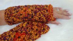 Merkloos / Sans marque Handgemaakte dames vingerloze okergeel bordeauxrood rood gemeleerd handschoenen . Maat one size