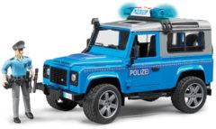Blauwe BRUDER® speelgoed-politiewagen met licht en geluid, Land Rover Defender politiewagen, 1:16, blauw
