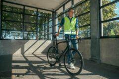 Gofluo. Jackson Veiligheidshesje - Reflecterend hesje - Fluoriserend - Veiligheidsvest - Hardloophesje - Reflectie jas - Lichtgewicht - Veilig de weg op - Geel - M