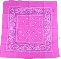 Meneer Bart Zakdoek / bandana roze 54x54cm
