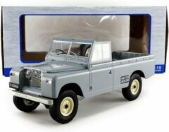 Grijze Landrover Land Rover Series II 109 Pickup - 1:18 - Modelcar Group