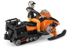 BRUDER® speelfiguurset, 2-dlg., bworld sneeuwscooter met bestuurder en uitrusting