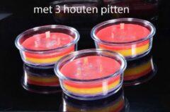 Rode Tri-Colore-Plus Kaars met 3 houten pitten (Wood-Wick) in mooie schaal - Gemaakt door Candles by Milanne