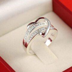 Leukste Koop Ring met hart en kristallen zilverkleurig (16,5 mm, maat 6)