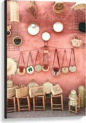 Beige KuijsFotoprint Canvas - Tasjes Hangend aan een Roze Muur - 60x90cm Foto op Canvas Schilderij (Wanddecoratie op Canvas)