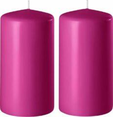 Enlightening Candles 2x Fuchsia roze cilinderkaarsen/stompkaarsen 6 x 12 cm 45 branduren - Geurloze kaarsen fuchsia roze - Woondecoraties