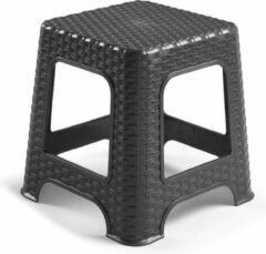 Forte Plastics Rotan opstapje/krukje in het zwart - 32 x 32 x 30 cm - Keuken/badkamer/slaapkamer handige krukjes/opstapjes