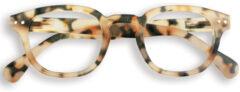 Zandkleurige IZIPIZI #C leesbril met klassiek montuur