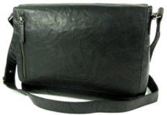 Zwarte Chesterfield Overslag tas A4 MAHA Antique Buf Crumbeld zwart