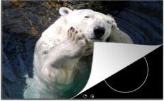 Bruine KitchenYeah Luxe inductie beschermer Zwemmende Beer - 75x52 cm - Een ijsbeer die zichzelf knuffelt - afdekplaat voor kookplaat - 3mm dik inductie bescherming - inductiebeschermer