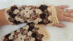 Merkloos / Sans marque Handgemaakte dames vingerloze beige donkerbruin olijfgroen steenrood handschoenen . Maat one size