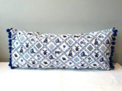 UniqueWorldDesign Lumbar kussen 'Delftsblauw'