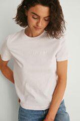 Roze Kleding Shrunken Institutional Tee by Calvin Klein Jeans