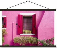TextilePosters Bloempotten met harten in een raam met roze luiken textielposter latten zwart 60x40 cm - Foto print op schoolplaat (wanddecoratie woonkamer/slaapkamer)