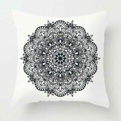 Moodadventures | Kussenhoes Mandala | Kussen 45 x 45 cm Zwart Wit met Rits