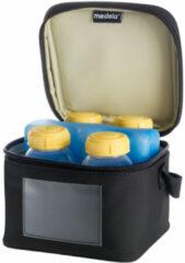 Zwarte Medela Koeltasje, incl. voorgevormd koelelement en 4 moedermelkflesjes