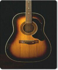 MousePadParadise Muismat Akoestische gitaar - Akoestische gitaar op een zwarte achtergrond muismat rubber - 30x40 cm - Muismat met foto