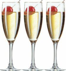 Transparante Arcoroc 18x Stuks champagneglazen van glas 150 ml - Glazen op voet voor Champagne/bubbels of Cava