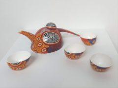Paarse Alperstein Designs Chinese theeset - Ruth Napaljarri Stewart - Aboriginal collectie