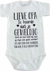 Witte Merkloos / Sans marque Baby rompertje met tekst   Lieve Opa Ik hoorde dat je geweldig bent en ben heel blij dat jij mijn opa gaat worden! ontmoeten!   korte mouw   maat 50-56   aankondiging bekendmaking zwangerschap cadeau voor de liefste aanstaande