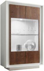 Donkerbruine Pesaro Mobilia Vitrinekast SKY 171 cm hoog - Wit met Cognac bruin