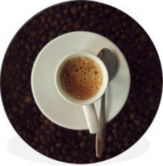 WallCircle Kopje espresso op koffiebonen - ⌀ 140 cm - rond schilderij - fotoprint op aluminium / dibond / muurcirkel / wooncirkel / tuincirkel (wanddecoratie)