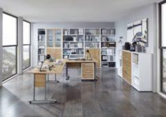 Bürokombination Alteiche / Brillant weiss mit Schreibtischwinkelkombination und Aktenschränken FMD aivlac