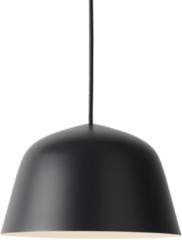 Muuto Ambit Pendelleuchte Schwarz Ø 25 cm