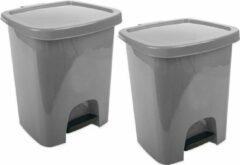 Hega hogar 2x Grijze pedaalemmers vuilnisbakken/prullenbakken 6 liter 21 x 23 x 29 cm - Kunststof/plastic vuilnisemmers- Dameshygiene afvalbakken voor toilet/badkamer