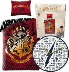 Rode B&B Slagharen Harry Potter Dekbedovertrek Hogwarts - Eenpersoons - 140 x 200 cm - katoen - Jongens meisjes dekbed - incl. Gryffindor wandklok 25cm