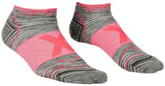 Ortovox - Women's Alpinist Low Socks - Multifunctionele sokken maat 35-38, grijs/roze