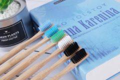 Naturelkleurige Bamboo Tandenborstel Medium - voor volwassenen - Misomada X2 STUKJES