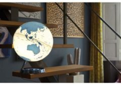 Atmosphere Globe Bright HOT blue 30cm diameter kunststof voet met verlichting