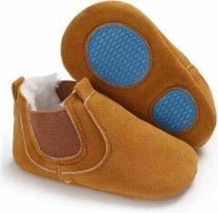 Bruine Kiki's dog fashion Newborn babyschoentje - leer - schoen - kraamkado - suede - antislip