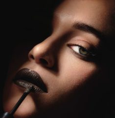 Grijze L'Oréal Paris Loreal Paris Infaillible Lip Paint - 108 Smokey Grey
