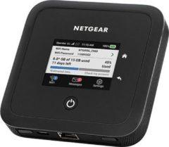 Zwarte Netgear Nighthawk MR5200 - Router - 1800 Mbps - Geschikt voor WiFi 6
