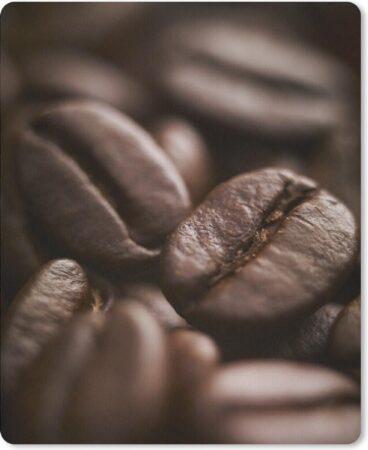 Afbeelding van MousePadParadise Muismat Koffieboon - Close up van koffiebonen en de donkerbruine kleur muismat rubber - 19x23 cm - Muismat met foto