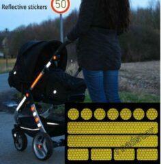 Roadstar Reflecterende Veiligheids stickers - geel - Reflectie tape voor in het verkeer - Maak wandelwagens, koffers, buggy's, skelters, helms, fietsen etc goed zichtbaar in het donker.