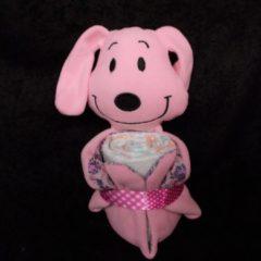 Roze Sabinesgeschenkenshop.be Pampertaart / Luiertaart Hond Roos knuffeldoekje + pampers