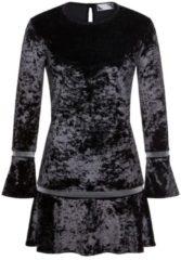 Stilvolles Samtkleid OLILLYN mit eleganten Volantsdetails Nicowa BLACK / LUREX / SILVER