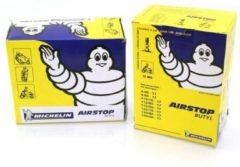 Zwarte Binnenband Michelin 10B4 300/350x10 Ventiel 45-Graden (haaks)