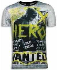 Local Fanatic Wanted Gothams Hero - Digital Rhinestone T-shirt - Grijs Wanted Gothams Hero - Digital Rhinestone T-shirt - Grijs Heren T-shirt Maat XL